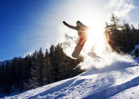 Feinster Winterurlaub: 4 – 8 Tage Kärnten im 4* Hotel inkl. Vollpension, Wellness und Skipass ab 299€