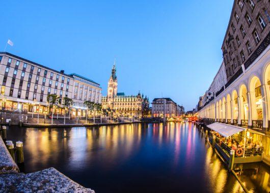 3 Tage Hamburg im exzellenten 5* Elysée Hotel mit Frühstück, Wellness & Massage für 282,99€ p.P.