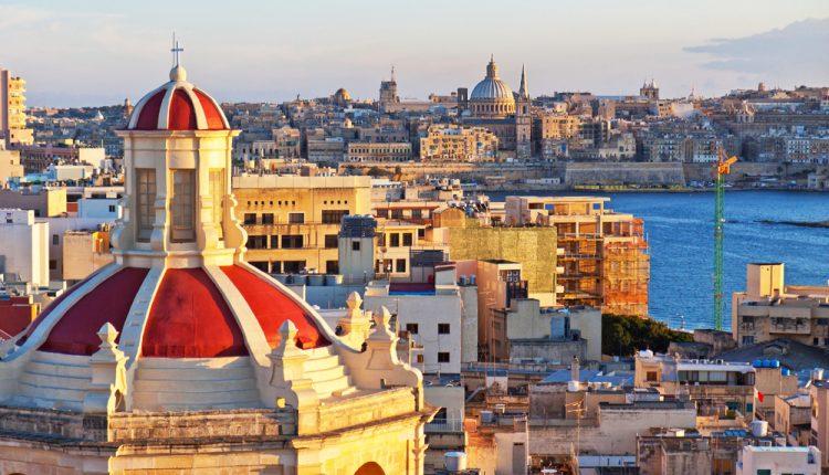 7 Tage Malta im August: 3* Hotel mit Meerblick und Flug für 360€ ab Berlin