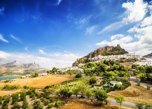Katalonien: 7 Tage im 4,5* Hotel inkl. Flug, Transfer und HP ab 353€