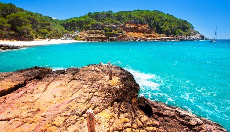 Ibiza: 1 Woche in der Sonne inkl. Condor-Flüge und Hotel ab 256€ pro Person