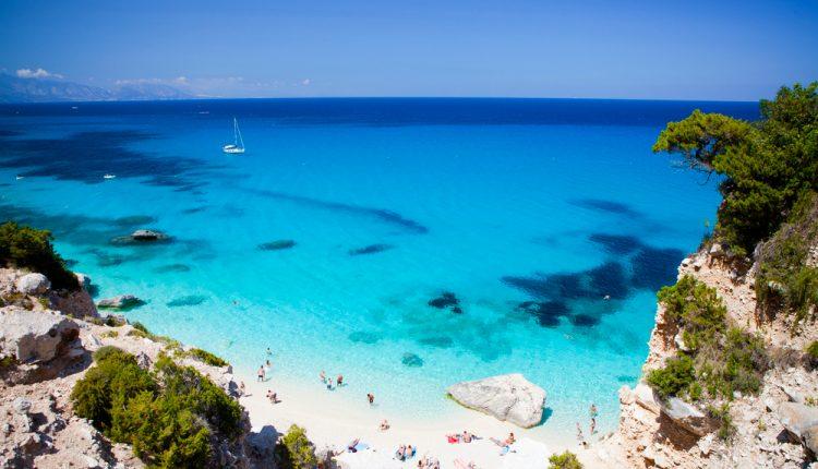 1 Woche Sardinien in den Osterferien im guten 4* Hotel ab 392 Euro inkl. Flug & Frühstück