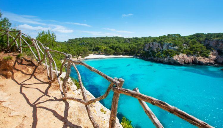 Menorca im Mai: 1 Woche im 3-Sterne Hotel inklusive Flug und Transfers ab 228 Euro pro Person