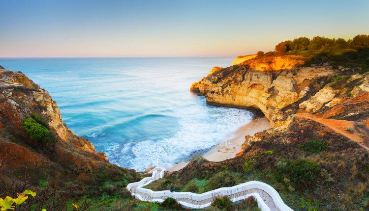 Dezember: 7 Tage Algarve im 3-Sterne Hotel inkl. Flüge und Frühstück ab 109€