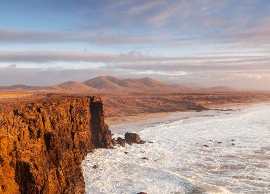 Fuerteventura: 1 Woche im 3*Awardhotel inkl. Flug, Zugticket und Frühstück ab 451€