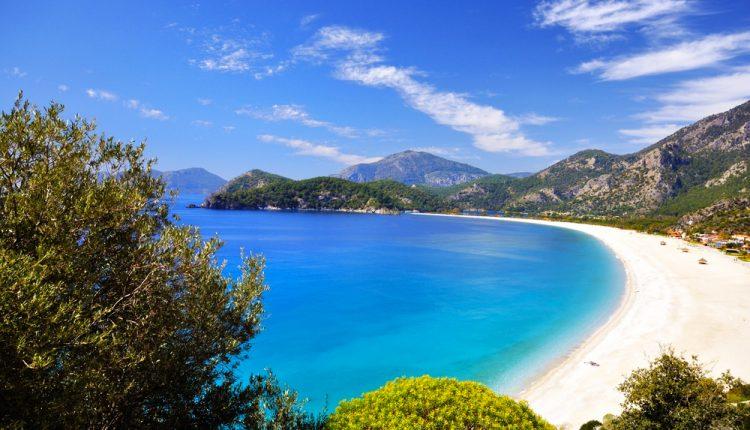Türkei: 1 Woche im 4,5-Sterne Hotel inklusive Flügen, Transfers und Verpflegung ab 231€