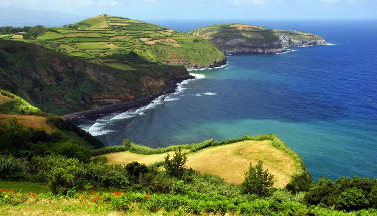 1 Woche Madeira im Winter: 4* Hotel mit Frühstück, Meerblick, Flug, Transfer und Rail&Fly ab 300€
