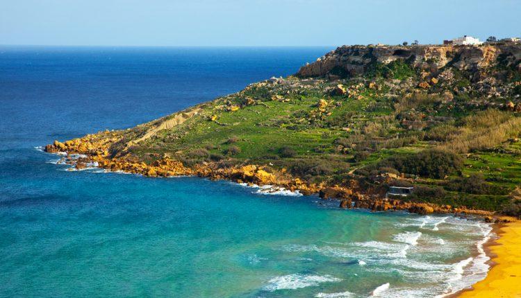 Frühbucher: 7 Tage Malta im 4* Hotel mit Frühstück, Flug, Zug zum Flug und Transfer für 187€