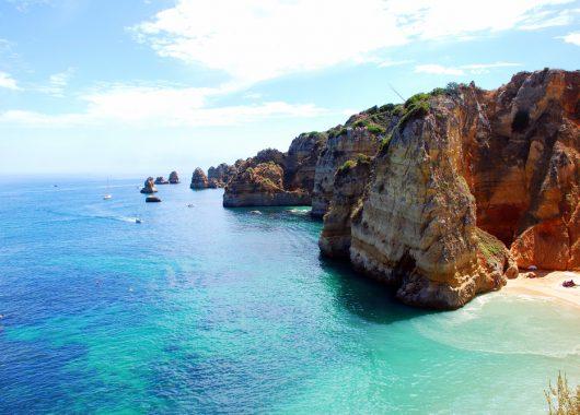 Kurzurlaub: 5 Tage Algarve im guten Apartment inkl. Flug und Frühstück ab 170€
