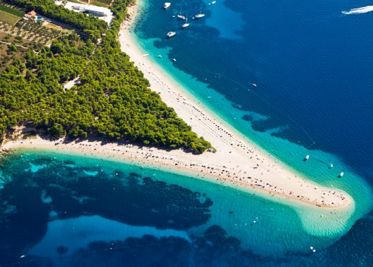 Kroatien: 4 bis 7 Tage im 3*Resort am Strand mit Halbpension ab 115€ pro Person