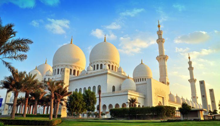 Last Minute Abu Dhabi: 7 Tage im 5* Fairmont Hotel mit Flug, Transfers und Frühstück ab 644€