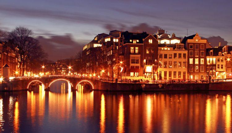 Amsterdam: 3 Tage im guten 4* Hotel ab 69€ pro Person