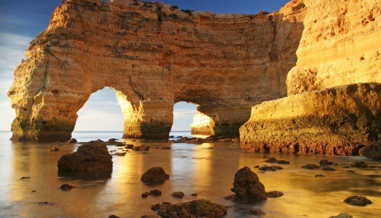 Algarve: 1 Woche im guten Hotel inklusive Flügen ab 300 Euro pro Person