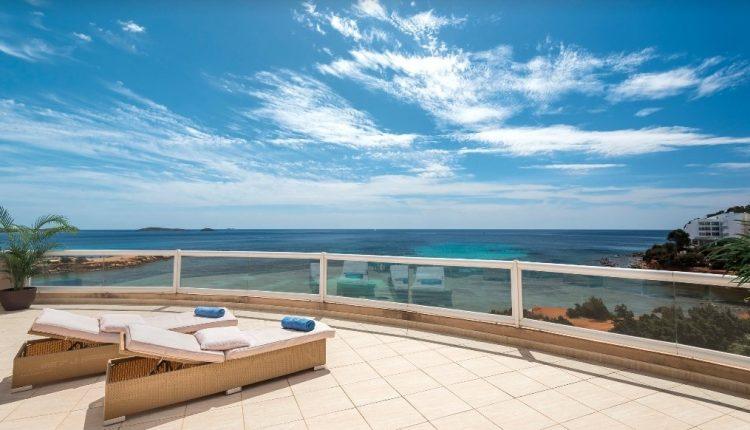 Frühling auf Ibiza: 1 Woche im 4* Hotel inkl. Frühstück, Flug, Rail&Fly u. Transfer ab 379€