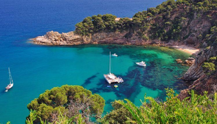 Spanien: 1 Woche an der Costa Brava im April inklusive Flügen, Transfers und Frühstück ab 229€