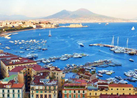 Kurzurlaub Neapel: 3 bis 6 Tage im zentralen Hotel inkl. Flügen ab 149€