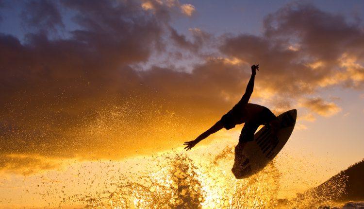 Surfen lernen auf Fuerteventura: 8 Tage in einer Surfvilla inkl. Intensiv-Kurs und Ausrüstung für 269€