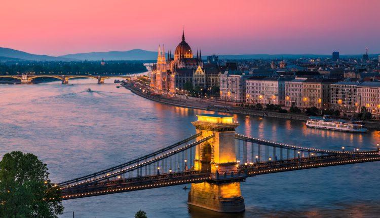 3 Tage Budapest im 3* Hotel inkl. Frühstück, Flug und Rail&Fly ab 128€