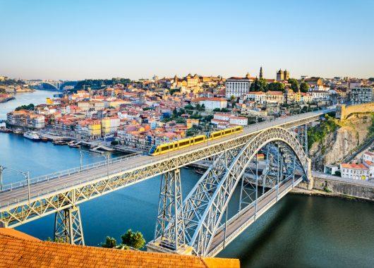 März in Porto: 3-tägiger Städtetrip ins 4*Hotel mit Flügen und Frühstück ab 115€