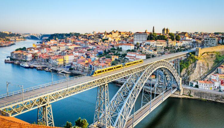 Kurztrip nach Portugal: 4 Tage Porto im guten 4* Hotel inkl. Flug und Frühstück ab 163€