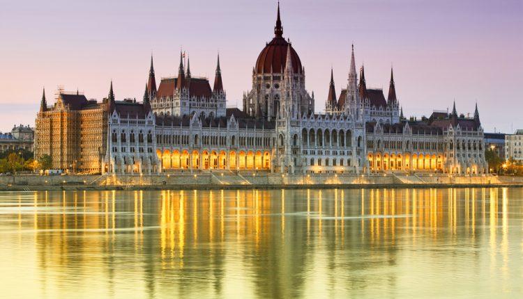 Budapest: 4 Tage im schönen Studio inkl. Flug ab 118€ p. P.