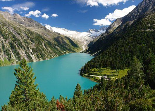 Auszeit im Zillertal: 4 bis 8 Tage im 4*Hotel mit Halbpension, E-Bike und Wellness ab 159€