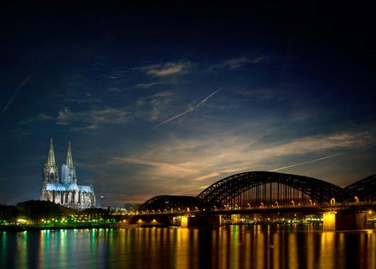 Weihnachtszeit in Köln: 3 Tage im sehr guten 4* Hotel inkl. Frühstück und 3-Gänge-Menü für 100€ pro Person