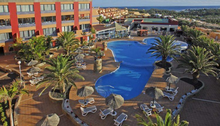 Im August nach Fuerteventura: 7 Tage im guten 4* Hotel in Costa Calma, Flug & Transfer für 381€ (ab Hamburg, Berlin…)