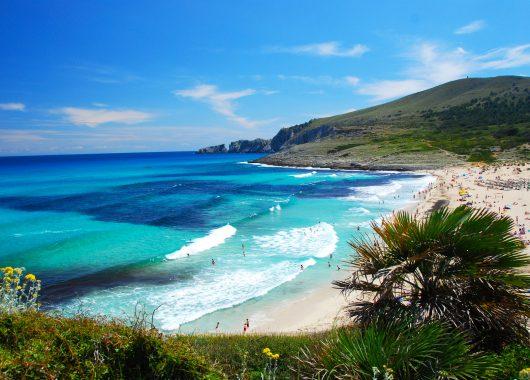 Mallorca: 8 Tage in Porto Colom inkl. Flügen, Transfers, Unterkunft und Halbpension ab 383€
