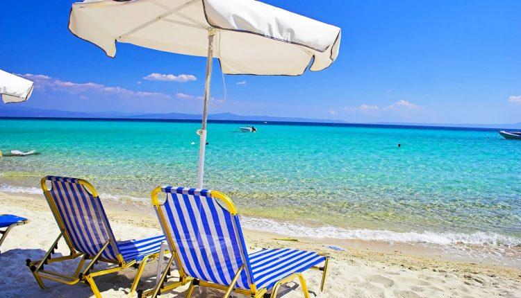 Chalkidiki im Mai: 1 Woche im 3* Hotel inkl. Flügen, Transfers und Halbpension ab 282€ pro Person