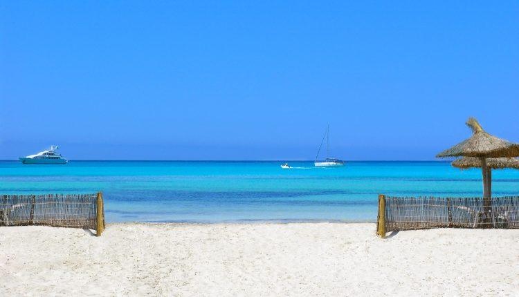 1 Woche Playa de Muro im 4* Apartment inkl. Frühstück, Flug und Transfer ab 409€