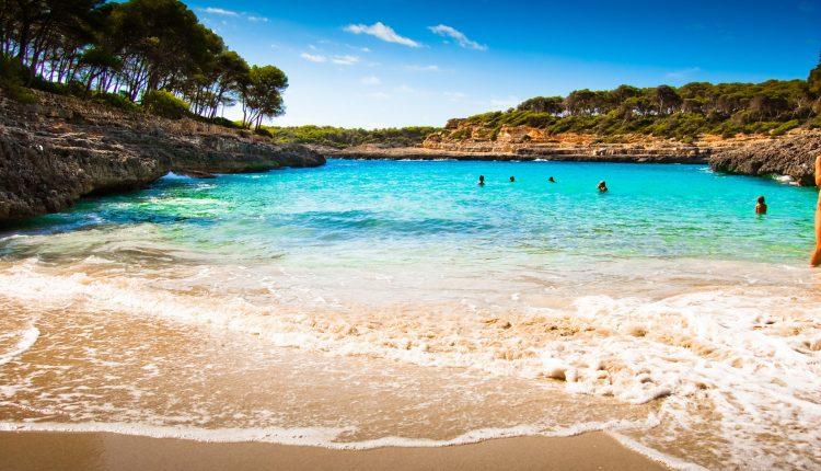Schnäppchen: Last-Minute 7 Tage Mallorca inkl. Flug, Hotel, Transfer, Rail&Fly und Frühstück ab nur 305€