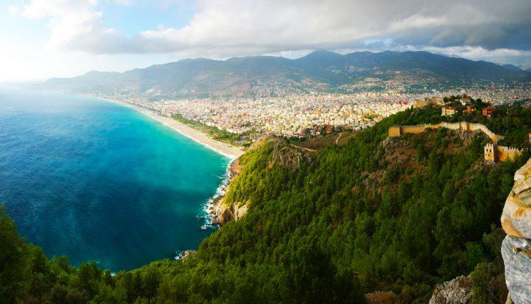 Türkei: 1 Woche im 4-Sterne Hotel inkl. Flug, Transfers & Halbpension ab 378€