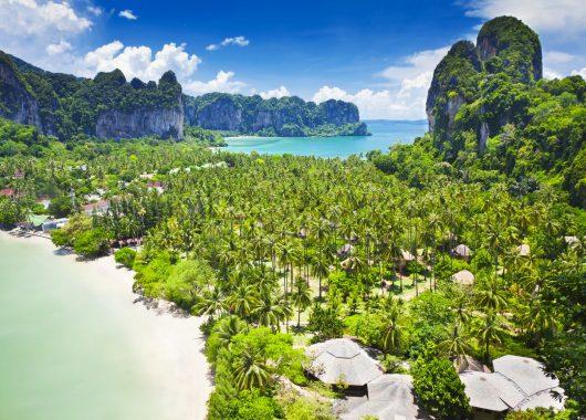 Frühbucher: 10 Tage Phuket im 4* Hotel inkl. HP, Flug und Transfer ab 900€
