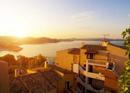 Mallorca: 9 Tage im 3* Hotel inkl. Flug, Transfer und Halbpension ab 386€