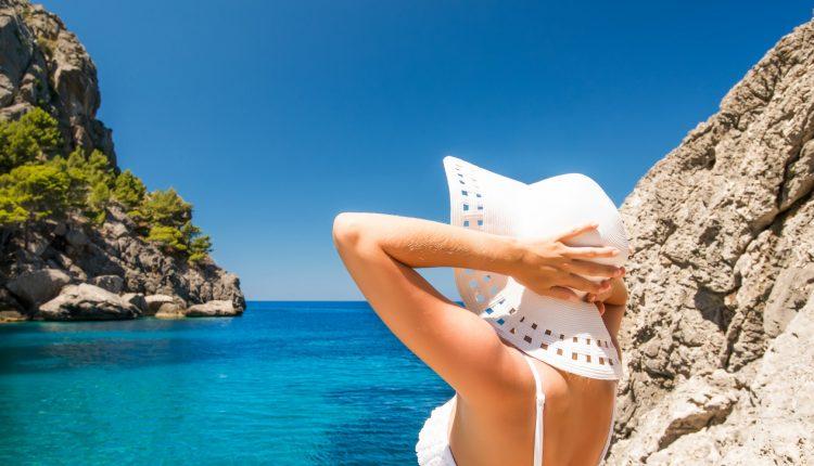 1 Woche Mallorca im Februar: 5* Hotel in Porto Petro mit Frühstück, Flug, Transfer und Rail&Fly ab 317€