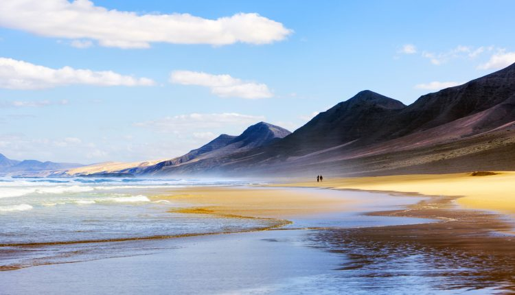 August: 1 Woche Fuerteventura im 3* Apartment inkl. Halbpension, Flug, Transfer und Rail&Fly ab 452€