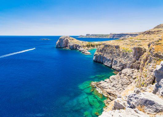 Single-Reise nach Rhodos: 7 Tage im 3* Hotel inkl. Flug, Transfer und Rail & Fly ab 244€