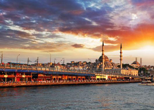4 Tage Istanbul im 3* Hotel inkl. Frühstück und Flug ab 165€ p. P.