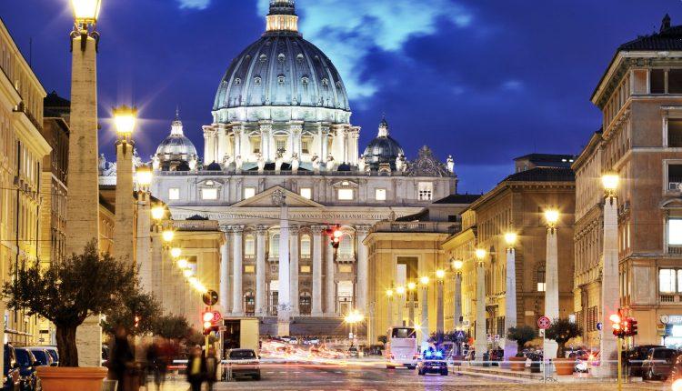Silvester in Rom: 4 Tage im im 4* Hotel inkl. Flügen und Frühstück ab 245€