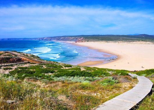 Algarve: 1 Woche im 3*Aparthotel inkl. Flug, Zug zum Flug und Transfers ab 246€