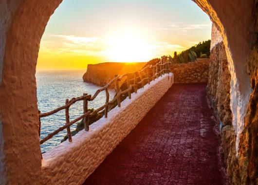Oktober: 1 Woche Menorca im 3*Aparthotel mit Flügen und Transfers ab 339€