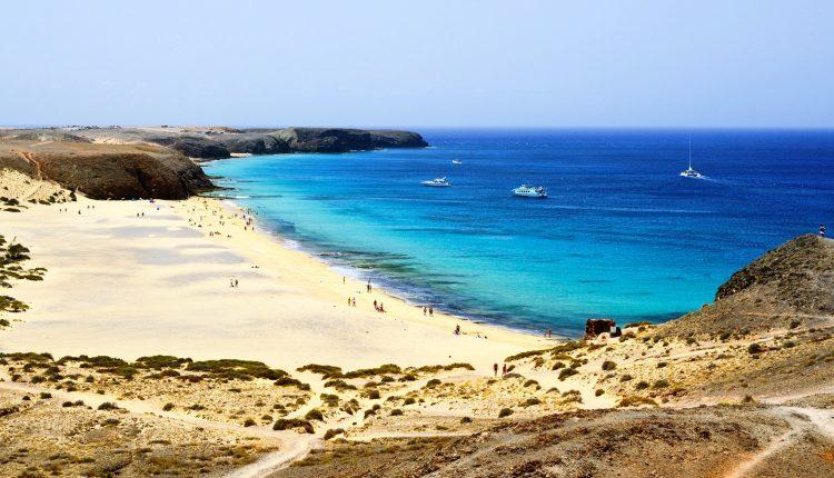 Lanzarote im Dezember: 1 Woche inkl. Flug, Transfer und Unterkunft ab 213€