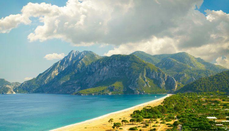 2 Wochen Türkei im Dezember: 4* Hotel All Inclusive, Flug & Transfer ab 339€
