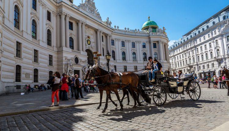 Juli – September: 4 Tage Wien im 4* Hotel inkl. Frühstück & Flug ab 199€