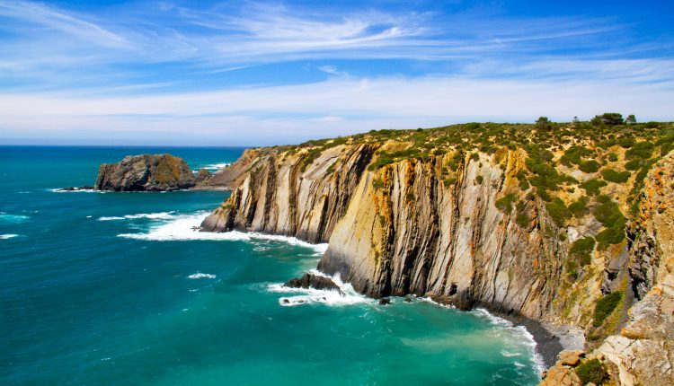 Algarve: 1 Woche im 3*Hotel inkl. Flügen, Transfers und Zug zum Flug ab 289€