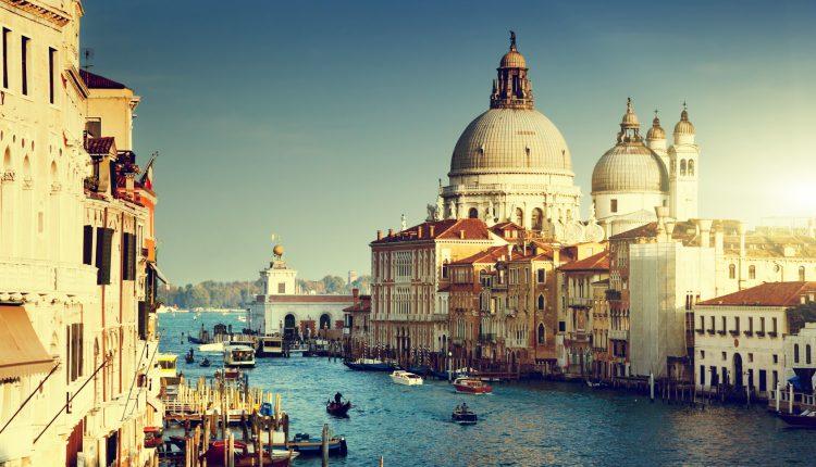 Städtetrip Venedig: 3 Tage im tollen 3*Hotel inkl. Frühstück und Gondelfahrt für 189€