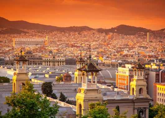 Barcelona: 4 Tage im 4* Hotel in Badalona inkl. Flügen und Frühstück ab 181€