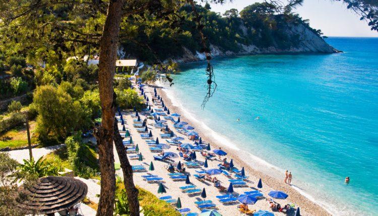 Lastminute: 1 Woche Samos im 3,5* Apartment inkl. Frühstück, Meerblick, Flug, Transfer & Zug zum Flug ab 283€