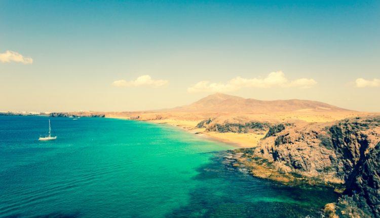 Im Dezember nach Lanzarote: 7 Tage inklusive Flug, Transfers und Hotel ab nur 199 Euro